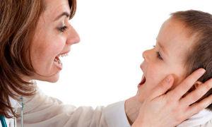 Что делать при кисловатом запахе изо рта у ребенка