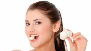 Чеснок и лук могут стать причиной не приятного запаха