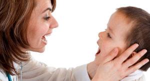 Кислый запах изо рта у ребенка