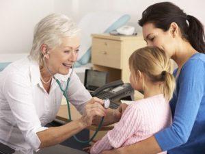 Ребенок на приеме у терапевта