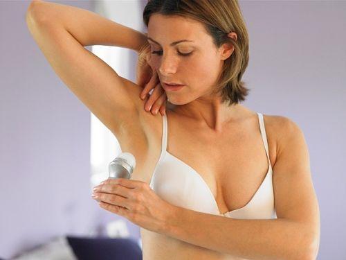Повышенныя потливости подмышек у женщины