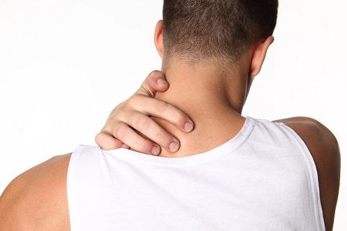 Ночью потеет шея и грудная клетка: Причины и Что делать